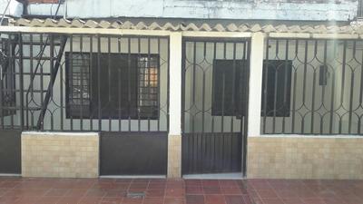 Vende Casa En El Bosque.