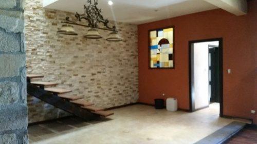 Venta Amplia Casa En Colonia Marfil En Guanajuato