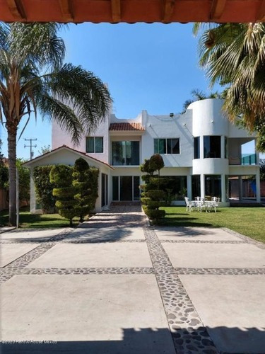 Casa En Venta En Centro, Yautepec, Rah-mx-20-2674