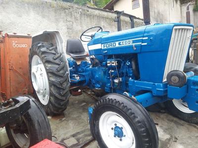 Trator Agrícola Ford