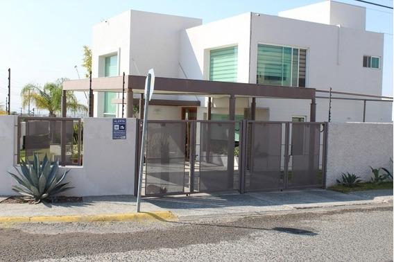 Lujosa Casa De 4 Hab. En Juriquilla. Fray Antonio De Monroy