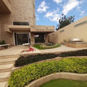 Sumy Hernandez Vende Apartamento Sector Paraiso 21-10237