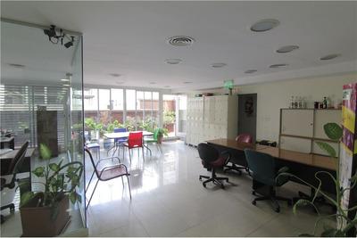 Oficina, Amplia, Luminosa Y En Impecable Estado!!!