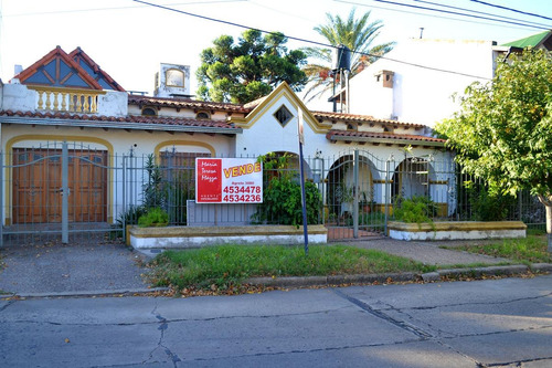 Casa  En Venta Rosario La Florida Jardín.