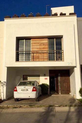 Hermosa Casa Amueblada En Altavista Con Vista Al Bosque
