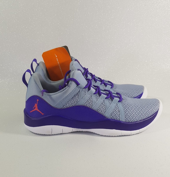 Nike Jordan Deca Fly 2 Tênis Esportivo Tamanho 35 Feminino