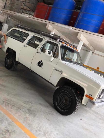 Chevrolet Suburban Suburban K20 4x4