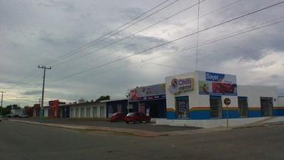 Chetumal, Locales Comerciales En Avenida Machuxac