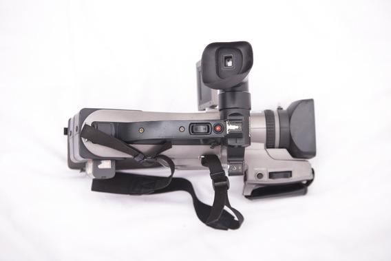 Filmadora Panasonic Agdvc7