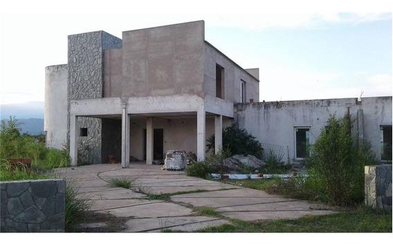 Venta + Casa + 2,000 M2 + Bº Privado El Aybal