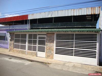 Casa Quinta. Centro En San Fernando. Comoda Y Segura