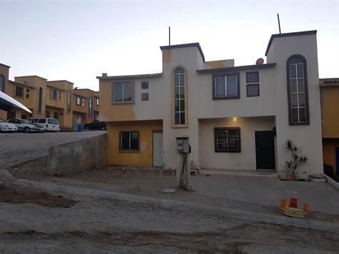 Casa En Venta Col. Lomas Del Desierto(col.aztlan Rosarito Bc