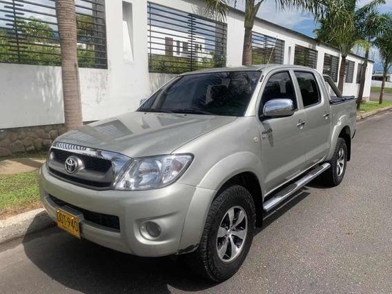 Toyota Hilux Sr5 2700 4x4