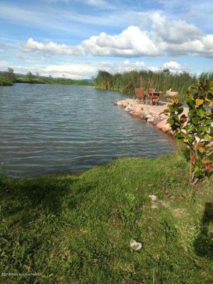 Terreno En Venta En Canadas Del Arroyo, Corregidora, Rah-mx-20-2253