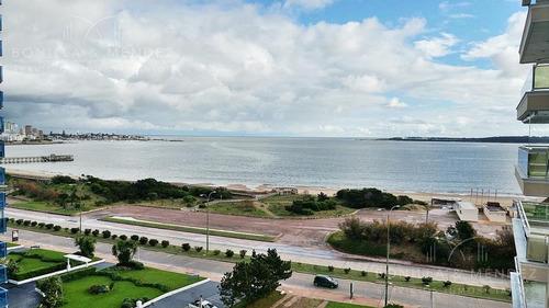 Coral Tower, Playa Mansa, 50% Contado Y Saldo En 18 Meses Sin Intereses.