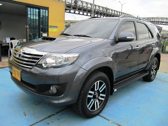 Toyota Fortuner Srv At 3000cc Aa