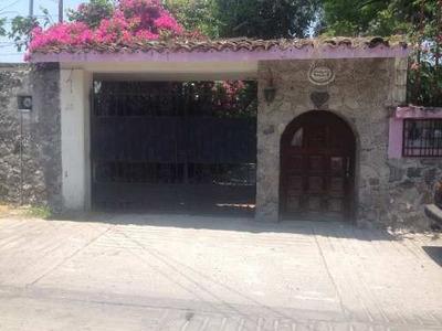 Bonita Y Amplia Casa En Venta.
