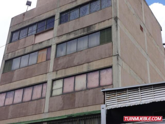 Tibizay Diaz Vende Edificio En Quinta Crespo Mls# 19-13800