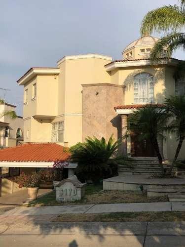 Casa En Puerta De Hierro, Zapopan