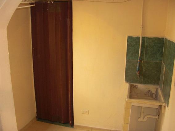 Apartamento (anexo) Caricuao/sector Las Casitas/jefatura