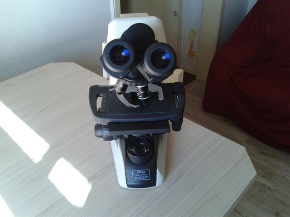 Microscópio Nikon Eclipse E200