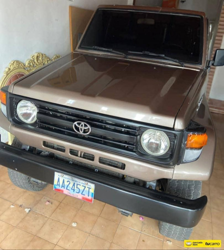 Toyota Macho Land Cruiser 4.5