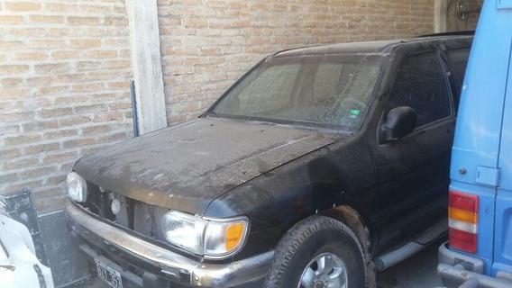 Nissan Pathfinder 3.3 V6,4x 4x4 V6
