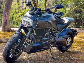 Ducati Diavel Dark 2016 Praticamente Zero