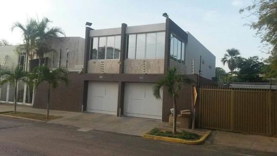 Alquilo Casa Av Delicias #19-17213 Andrea Rubio 424-6417455