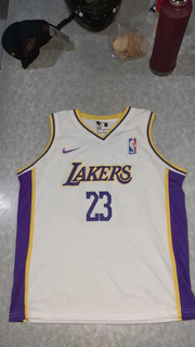 Los Angeles Lakers (lebron James 23) - Talle L