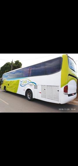 Ônibus O500