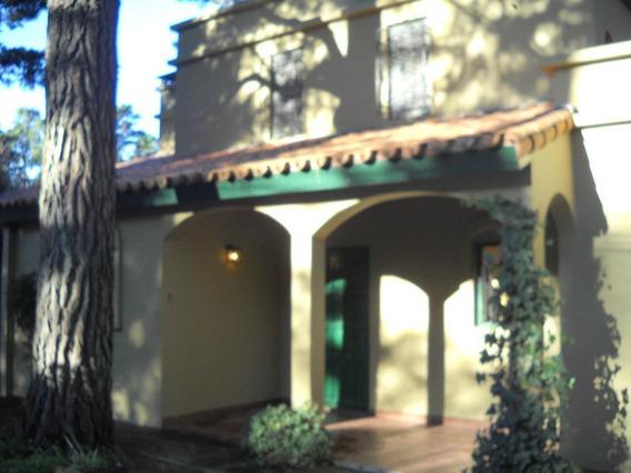 Hermosa Casa De Campo Con Jardin ,pergola Y Parrilla