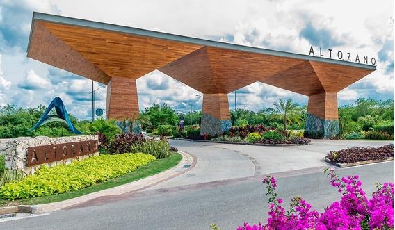 Estrena Residencia En Privada Altozano, Cerca Universidad Anáhuac Mayab