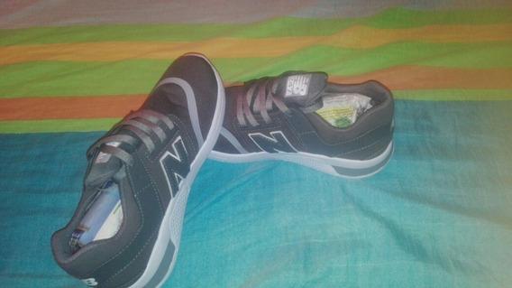 Zapatos Nike Para Damas, Y New Balance De Caballeros