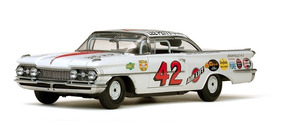 Oldsmobile 88 1959 #42 Lee Petty Daytona 500 Sunstar 1:18