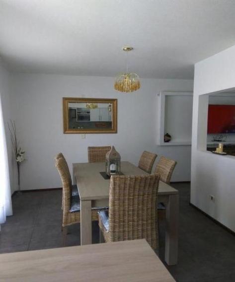Venta De Casa 3 Dormitorios En Pinares, Punta Del Este.-