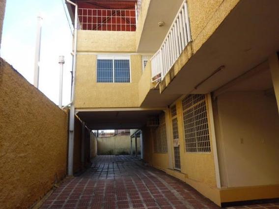 Apartamento En Venta Cabudare Centro 20-929 As
