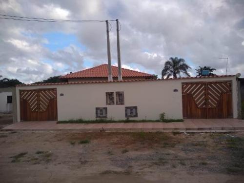 Imagem 1 de 14 de Casa Lado Praia No Litoral Com Piscina E Churrasqueira Ca053