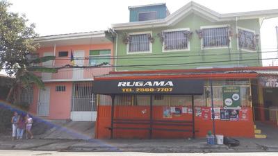 Propiedad Con 2 Casas, Un Apartamento Y Mini Super
