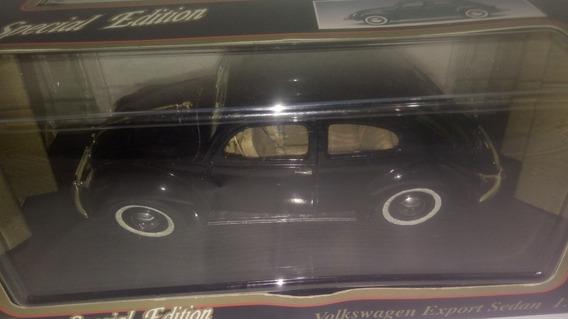 Miniatura Fusca Volkswagen Export Sedan 1:18 Maisto - Preto