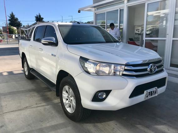 Toyota Hilux 2.8 Dc 4x2 Tdi Srv L/16 2016
