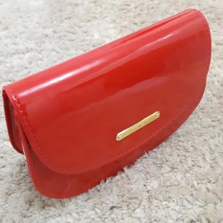 Bolsa Feminina Com Alça Vermelha No Verniz