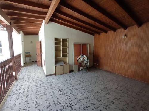 Imagen 1 de 14 de Amplia Casa Unifamiliar En Simon Bolivar