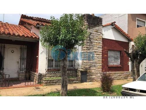Casa En Venta En Martínez