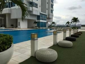 Apartamento En Alquiler En Costa Del Este 20-233 Emb