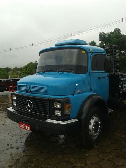 Mercedes Benz 1313 Azul