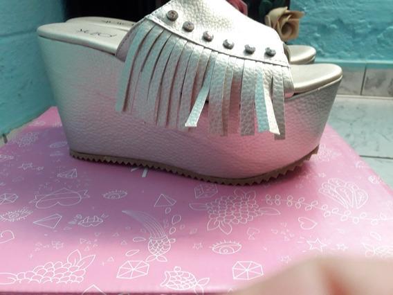 Sandalias Con Flecos Y Piedritas Marca Pink