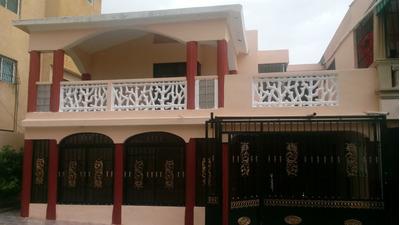 Casa En Residencial Cerrado En El Ensanche Isabelita