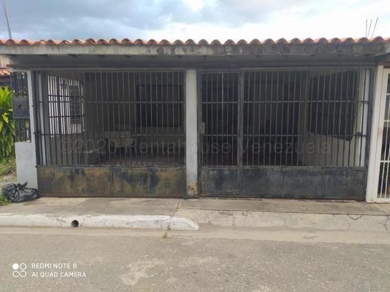 Cómoda Casa En Venta En Cabudare #21-4668