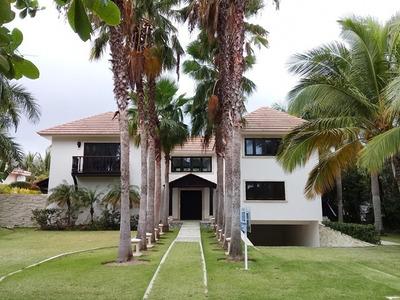 Villa En Tortuga Bay Punta Cana